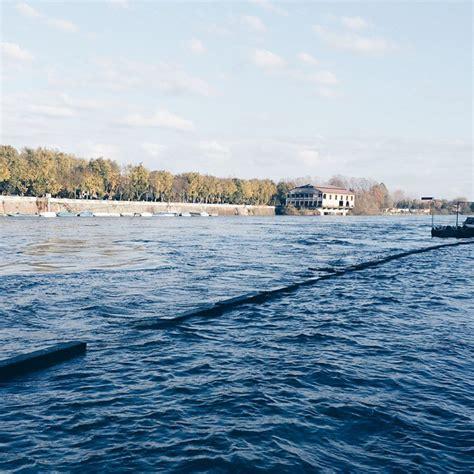 fiume di pavia alluvione pavia sott acqua per l esondazione ticino