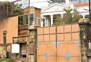 images of shahrukh khan bungalow shahrukh khans srk bungalow home mannatlatest auto