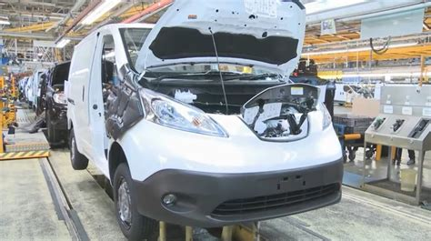 nissan  nv electric minivan production starts  spain video