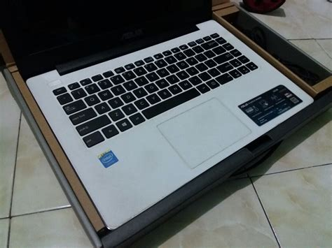 Jual Beli Freezer Bekas jual laptop bekas surabaya gresik sidoarjo