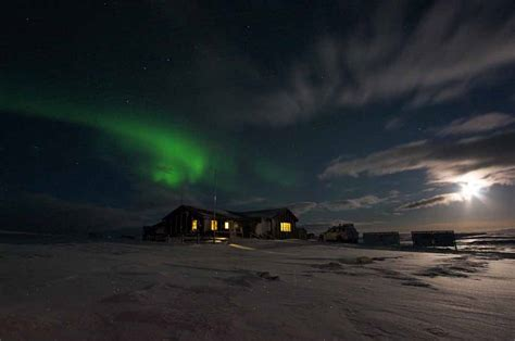iceland springs and northern lights hveravellir geothermal area springs iceland natural