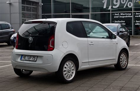 volkswagen up white file vw white up 1 0 heckansicht 14 april 2012