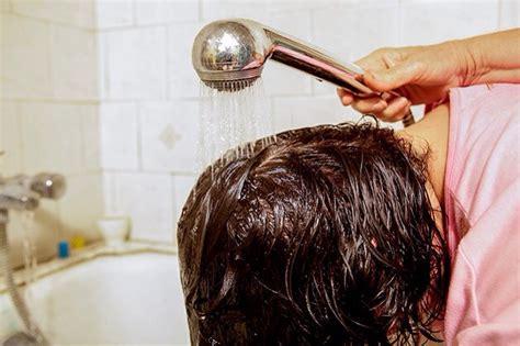 how to get hair out of a bathtub drain how to get rid of hair dye in the bathtub trusper