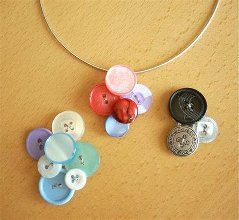 diy projects with buttons diy buttons craft ideas
