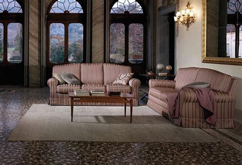 outlet divani treviso divano classico cambridge outlet divani treviso sofa club