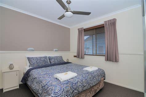 Coastal Bedroom Ls by Kiama Accommodation Kendalls Cabins View