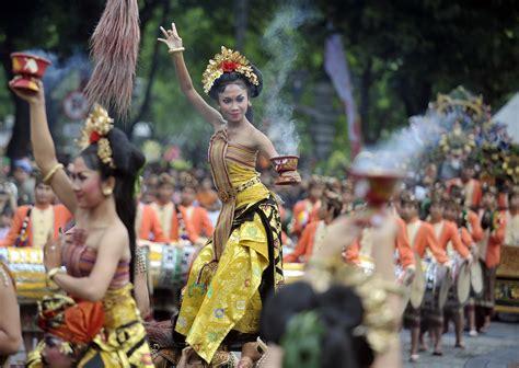 Tiket Promo Ke Denpasar liburan akhir tahun ke denpasar festival 2016 yuk
