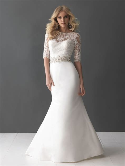 Best Wedding Dress Styles For Short Curvy Brides   Wedding
