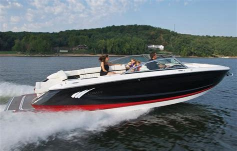 boat manufacturers in kansas 2017 cobalt a28 boats