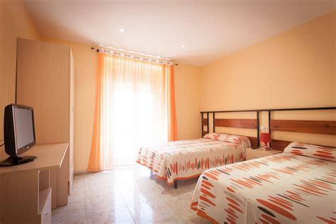 reserva habitacion el trillero habitaciones dobles y triples
