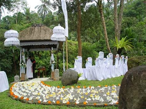 outdoor garden wedding ceremony decorations ideas 2