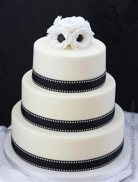 Wedding Cake Black And White Simple by Traditional Wedding