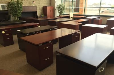 Used Office Desk Used Office Furniture Resellers For Milwaukee Chicago Metro Areas Second Desks Gently