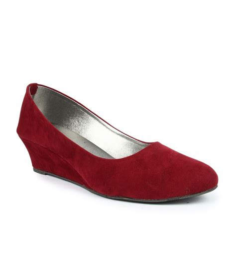 maroon g finesse maroon wedges pumps price in india buy finesse