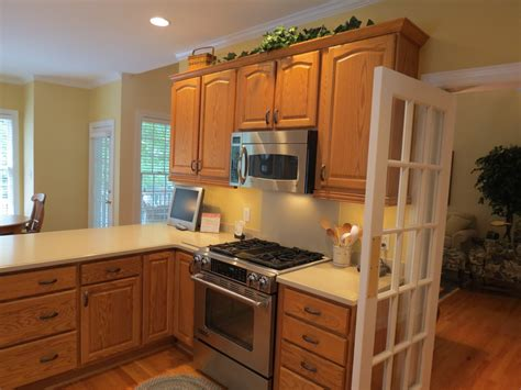 kitchen paint colors with oak cabinets and black appliances kitchen paint colors with oak cabinets and black stained
