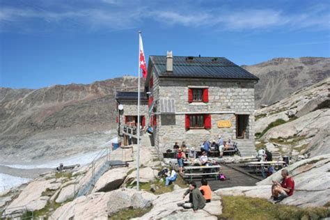 Swiss Hutte by Solar Powered Monte Rosa Alpine Hut Is 90 Energy