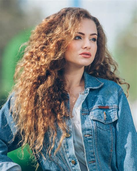how to do curly hairstyles for long hair stunning haircuts for long thick hair hairstyle for women