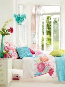 yellow purple bedroom: bedroom design idea diy painted yellow pink purple color bedroom