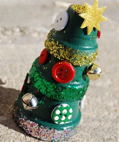 christmas decoration using recycled materials stacked terra cotta pot tree allfreechristmascrafts