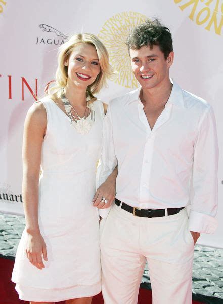 claire danes wedding pictures rep confirms claire danes and hugh dancy s wedding