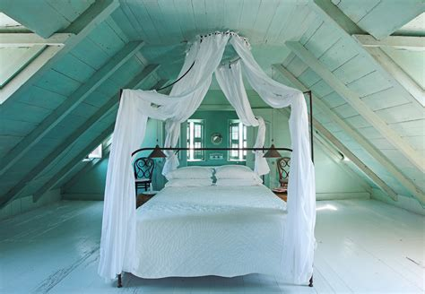 Traditional Bedroom Decorating Ideas - canopy beds for little magic every day