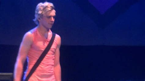 theme song romeo and juliet 2013 ross lynch playing romeo juliet theme song 3 30 13 r5 in