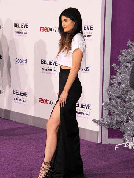 Gpt Sera Maxi Dress Gamis Jenner Shows A Lot Of Leg In A Daring Side Split