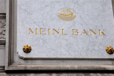 meinl bank fma zeigt meinl bank wegen mutma 223 licher geldw 228 sche an