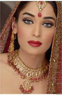 Look its some beautiful indian bridal makeup photo