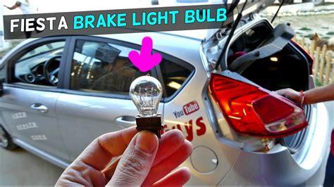 how to change brake light bulb how to change brake light bulb on ford 2004