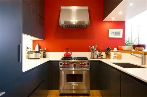 agréable Idee De Peinture Pour Salle A Manger #5: 2magnifique-idée-couleur-peinture-cuisine-rouge-meubles-cuisine-couleur-anthracite-plan-de-travail-blanc-e1473328900854.jpg