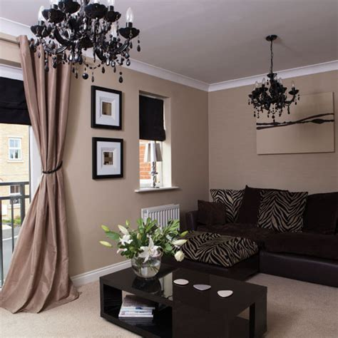 neutral living room  statement accessories living