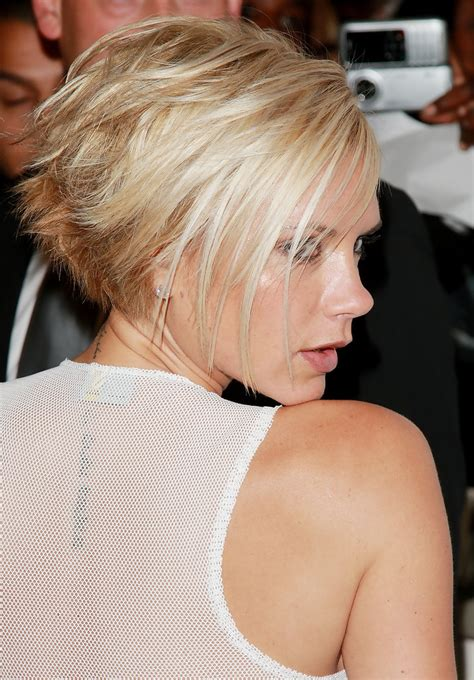 victoria beckham in honey blonde hair pic more pics of victoria beckham short side part 1 of 36