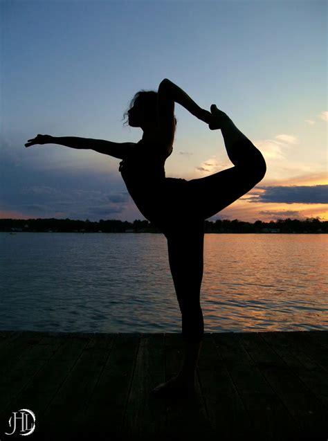 imagenes yoga mujer yoga y sus beneficios huellas para la humanidad