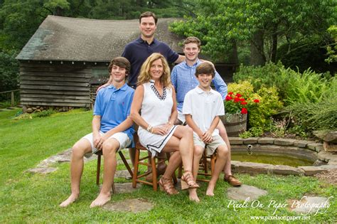 Outdoor Family Portraits by Western Family Portrait Outdoor Pictures To Pin On