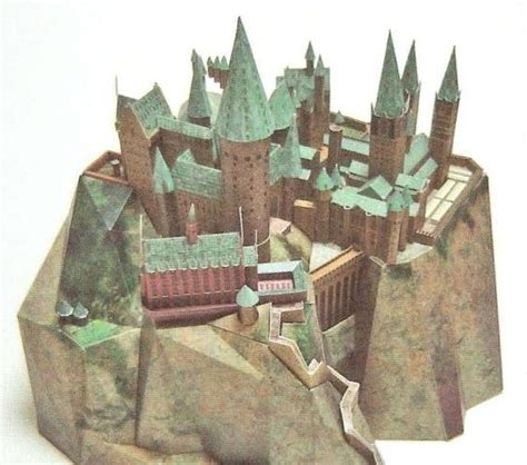 Hogwarts Castle Papercraft - papercraft hogwarts and castles on