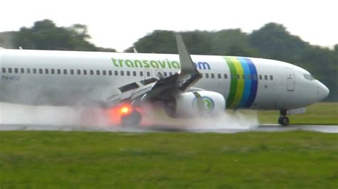 beautiful vortex from 737 800 landing in cat ii transavia boeing 737 800 runway thrust doovi