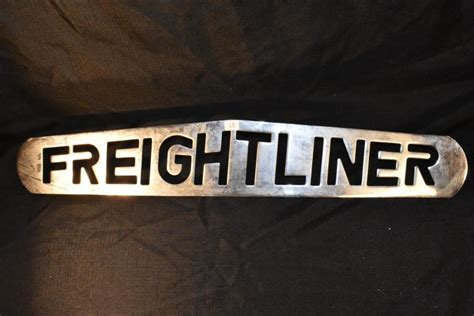 Emblem Tulisan 24 25 freightliner chrome truck badge emblem ornament