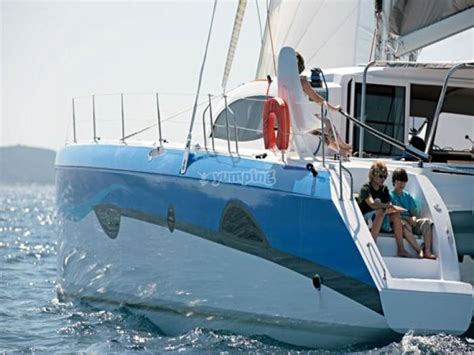 catamaran puerto olimpico barcelona paseo en catamar 225 n 4 horas desde puerto ol 237 mpico