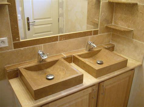 salle de bain moderne travertin
