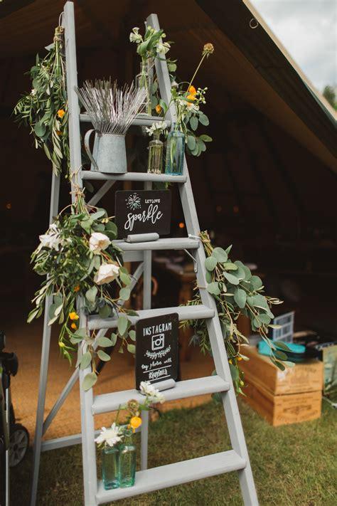diy wedding ladder decor