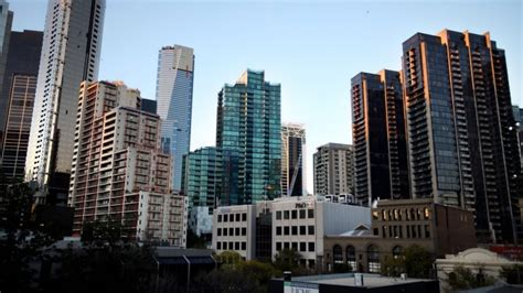 melbourne appartments melbourne apartments may be oversupplied by 2018 bis shrapnel