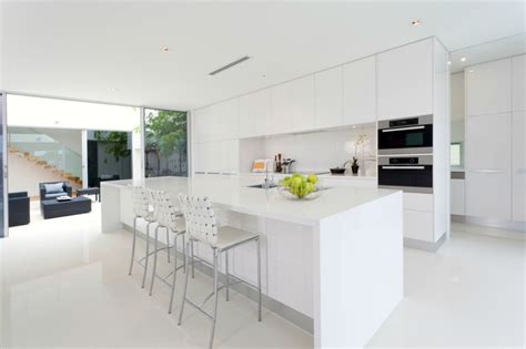 Marble Top Kitchen Island by Modern All White Kitchen Kitchen And Decor