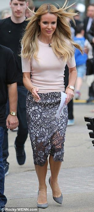 Addressing Skirts At Work - amanda holden covers up in a demure pencil skirt and pale