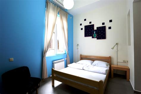 bed and bathroom rooms rates test envoy hostel yerevan tbilisi
