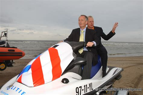 waterscooter besturen politie kennemerland neemt nieuwe jetski in gebruik