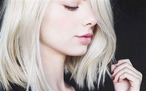 older women with platinum blonde pink hair luzes platinadas dicas mudar o visual sem sair de casa