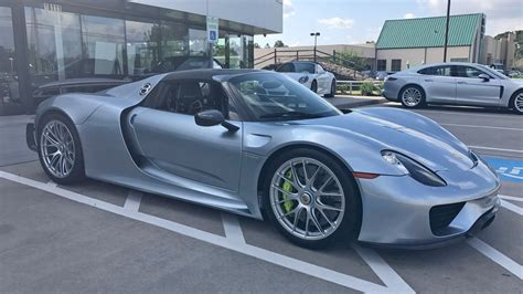 918 Spyder Porsche by Want To Buy A 10k Mile Porsche 918 Spyder For 1 4 Million