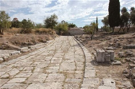 Ancient Greek Roads | ancient greek sacred road to now serve turkish tourism
