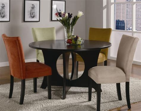 decorate  small dining room